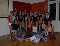 Adventi találkozó: közös tánc és lei készítés