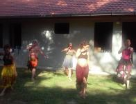 """""""Aloha Ohana Camp"""" : a polinéz gyógyító művészetekkel foglalkozó táborban minden nap volt Hula tánc"""