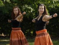Tradicionális kahiko tánc 'ili 'ili kövekkel
